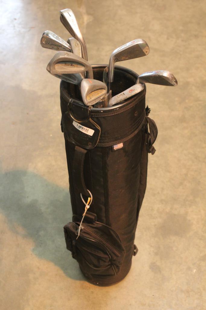 Datrek Golf Bag With 9 Clubs 10 Pieces