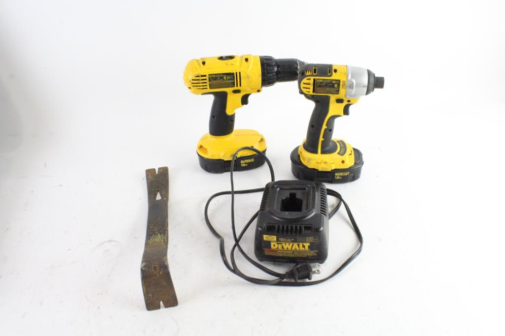 DEWALT DCK235C 18-Volt NiCad 2-Tool Kit