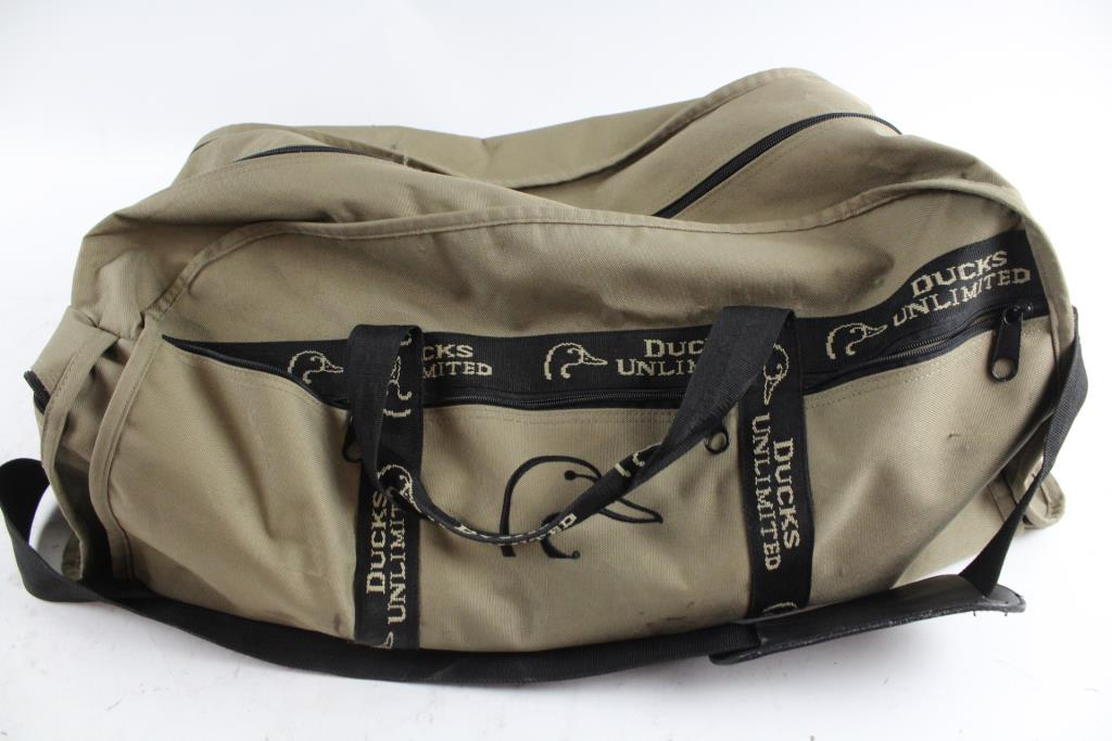 Ducks Unlimited Duffle Bag With Staple Hammers Drivers Wrencheore