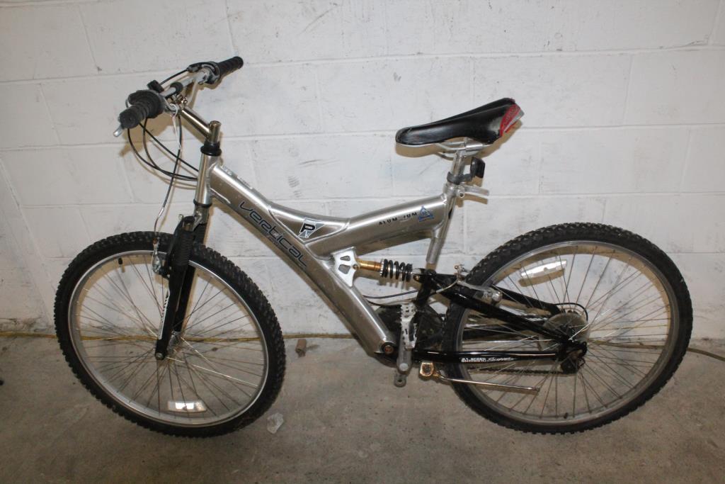 Dynacraft Vertical PK7 Mountain Bike | Property Room