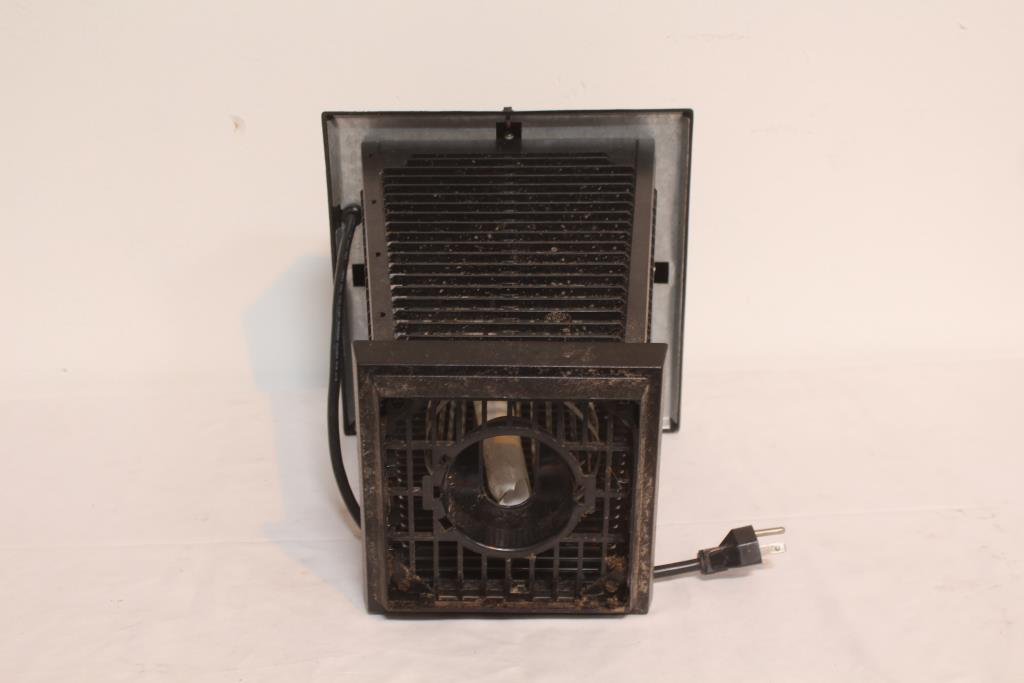 Flowtron Electronic Insect Killer   Property Room