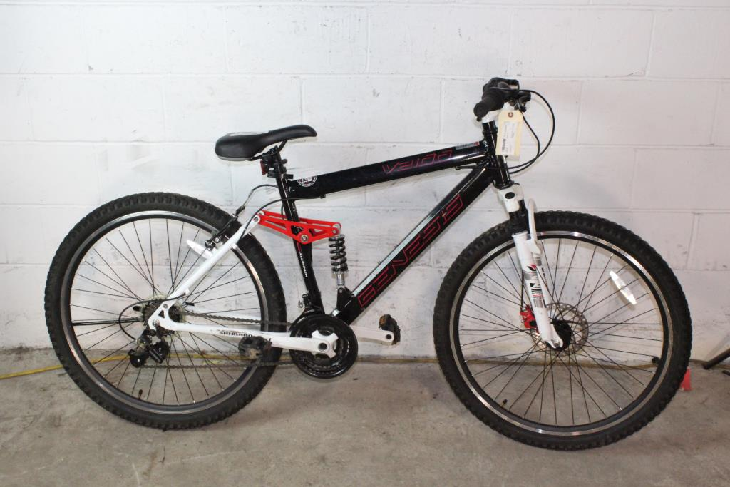 51900390602 Genesis V2100 Mountain Bike | Property Room
