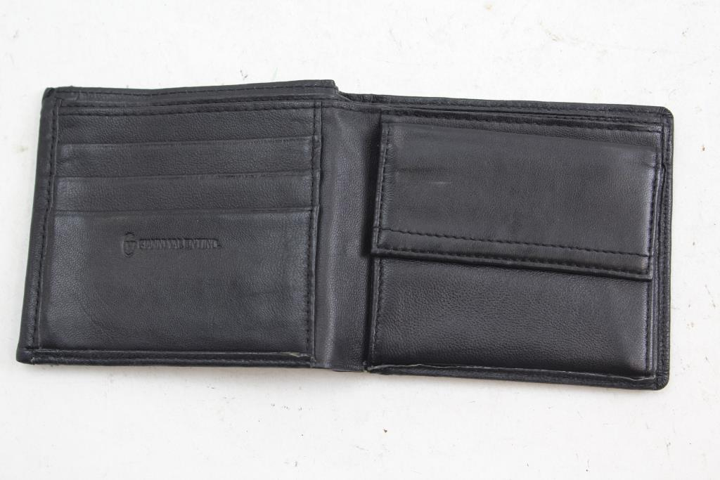 e48d032261967 Gianni Valentino Leather Wallet | Property Room