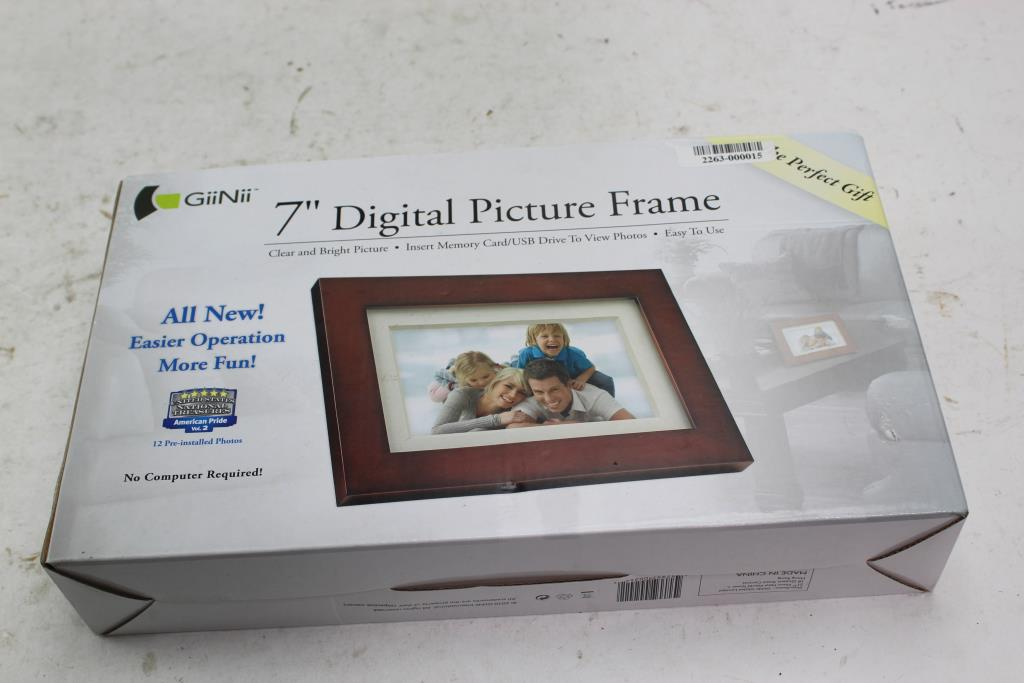 Giinii Digital Picture Frame Property Room