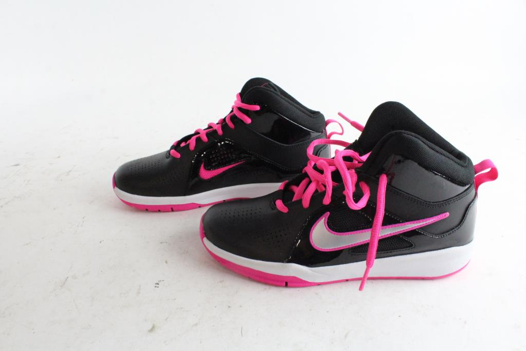 Girls Nike Shoes Size 5 5y Property Room