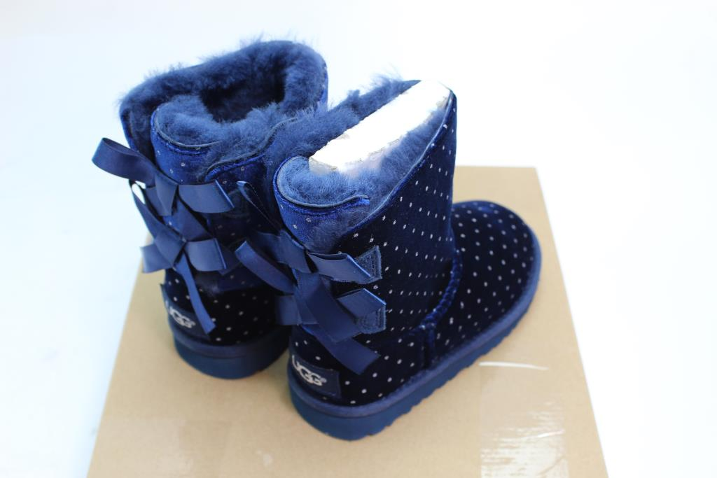 3ad62c40bfb Girls Ugg Boots, Size 11 YOUTH   Property Room