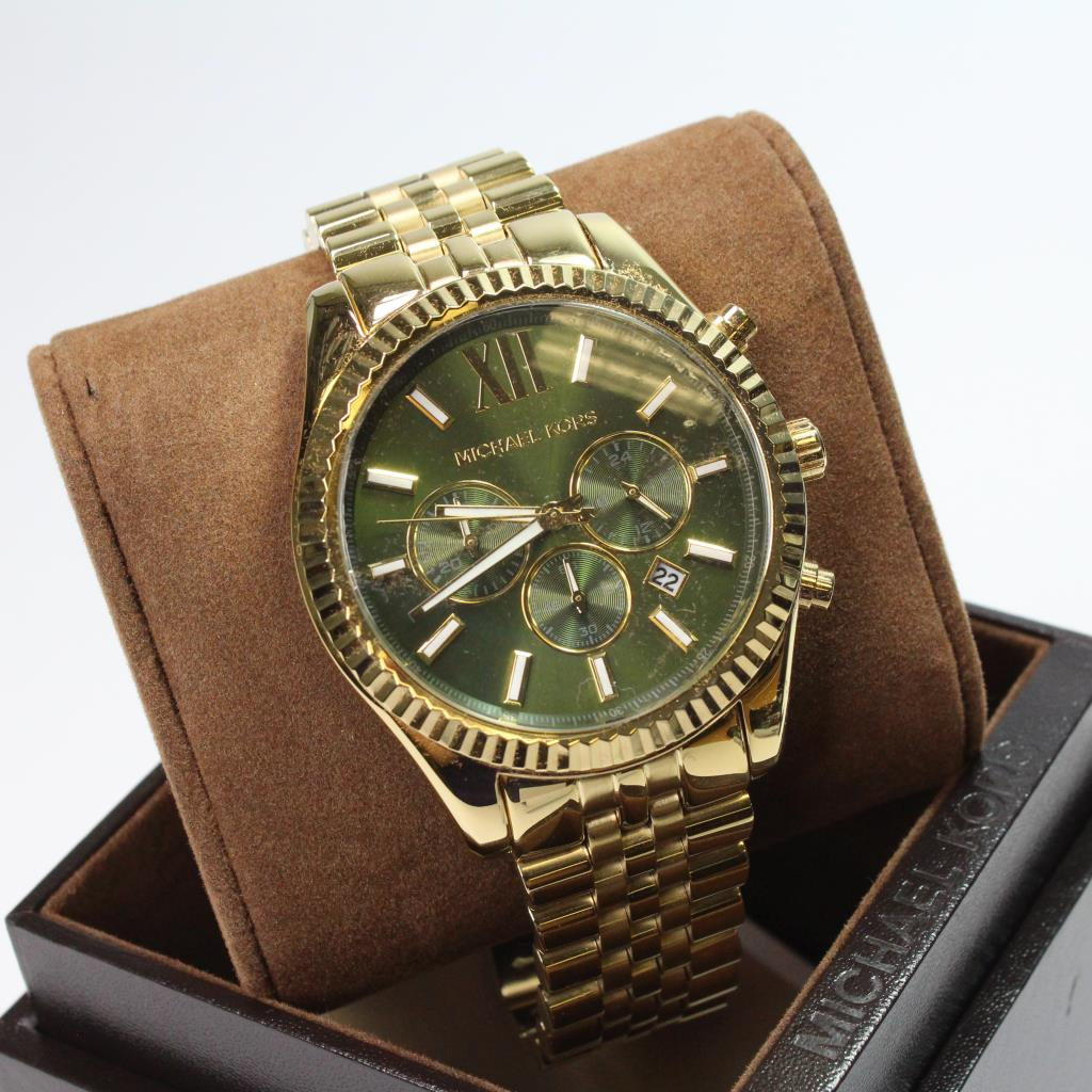 2a3530d8f4a6 Gold Colored Michael Kors Watch With Box