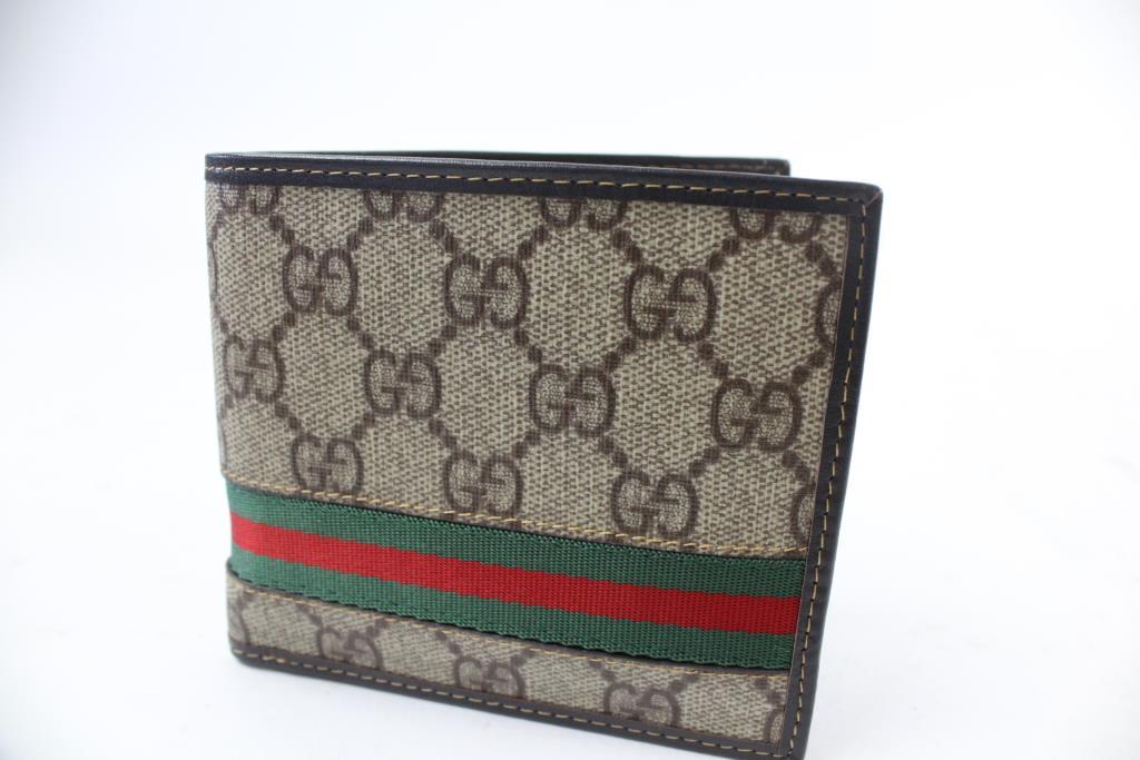 a625696bcbd1 Image 1 of 3. Gucci Men s Wallet
