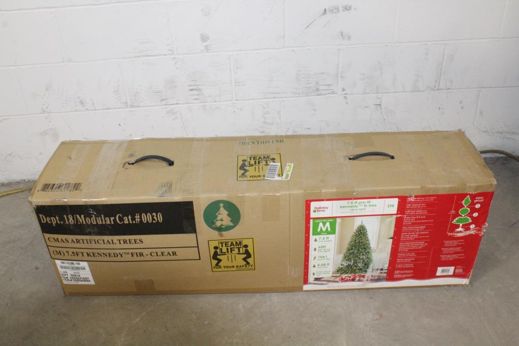 official photos 337ec d50df Holiday Time 7.5' Pre-Lit Christmas Tree | Property Room
