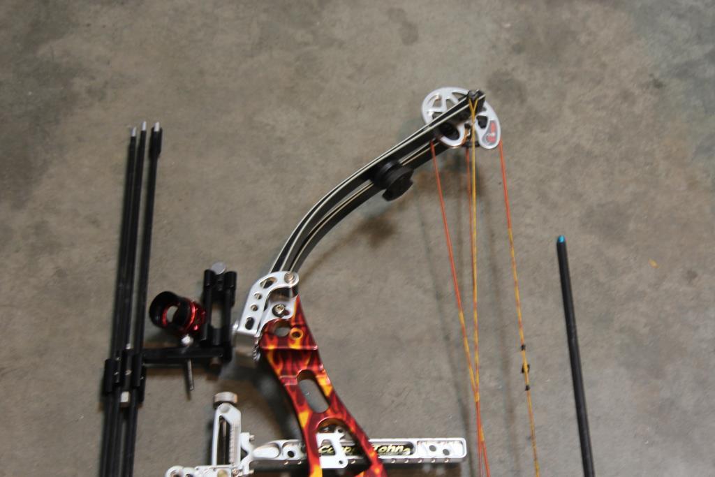 Car Auction Usa >> Hoyt Usa Xt 3000 Carbine Compound Bow With Flames ...