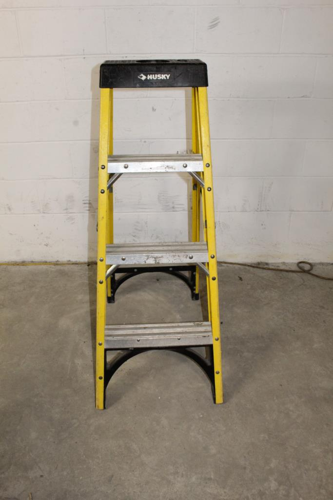 Magnificent Husky 4 Ladder Property Room Caraccident5 Cool Chair Designs And Ideas Caraccident5Info