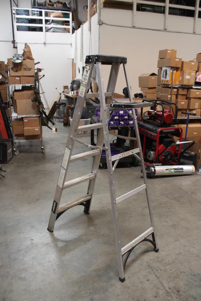Husky 6 Foot Aluminum Ladder Asl1 6