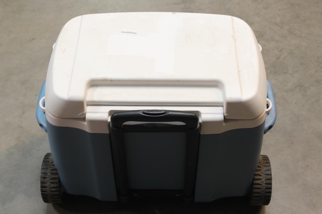 Igloo Maxcold Premium 62 Quart 58 Litre Push Wheeled