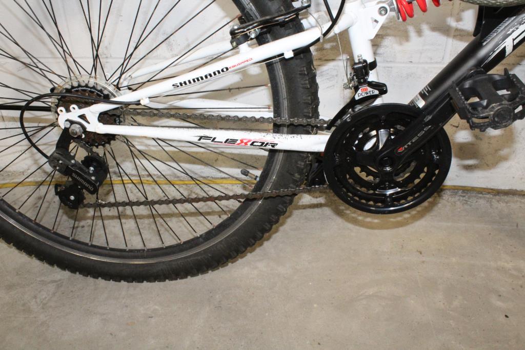 106f395cd55 Kent DS Flexor Mountain Bike | Property Room