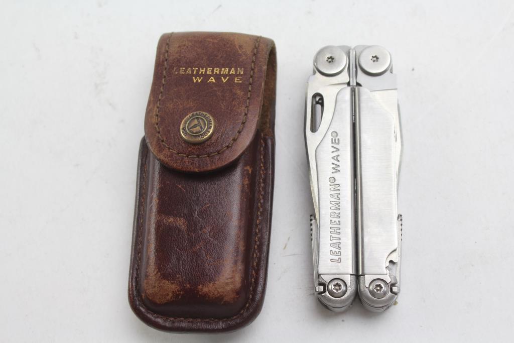 Leatherman Wave Multi-Tool In Original Case