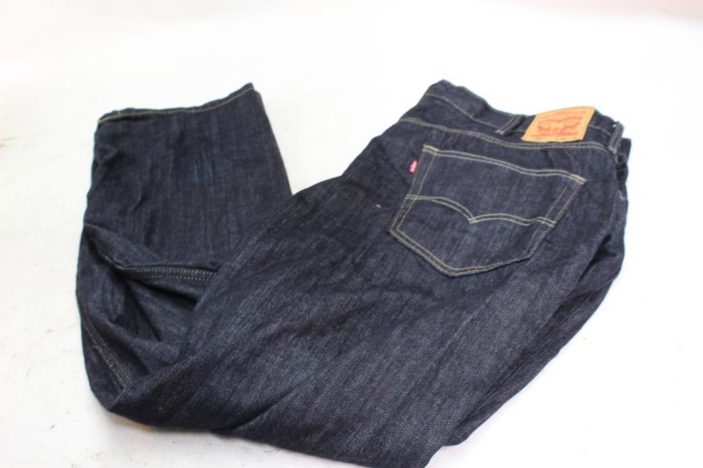 cf806a7ea32 Levis 559 Jeans, Size 46x34   Property Room
