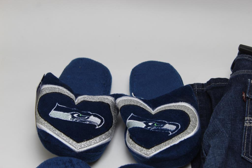 Seattle Seahawks LEVI/'S Denim Women/'s Sneakers