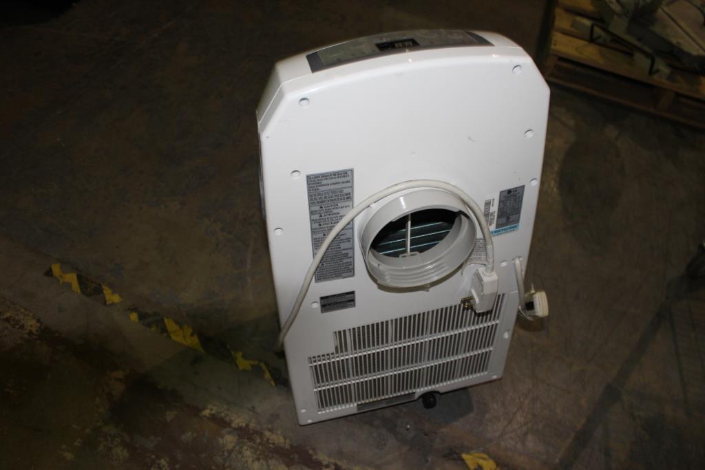 LG LP0910WNR Portable Air-conditioner | Property Room