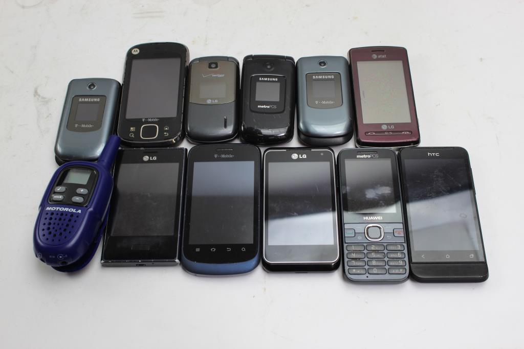 Lg Samsung Htc More Cell Phone Lot And 2 Way Radio 12 Pieces Sold For Parts