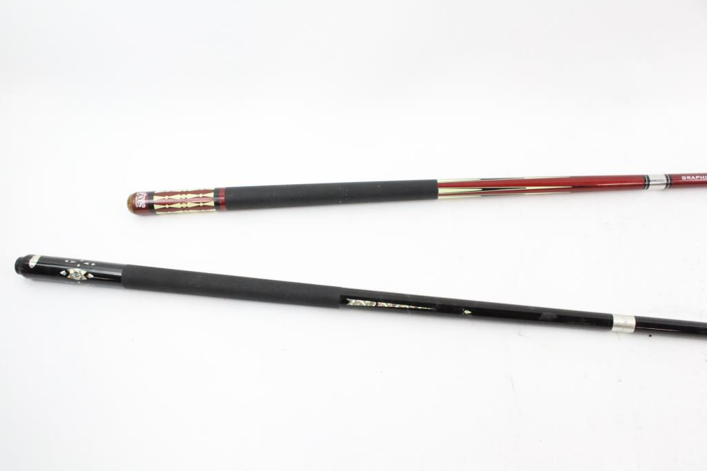 Minnesota Fats And Other Pool Cues 2 Pieces Property Room