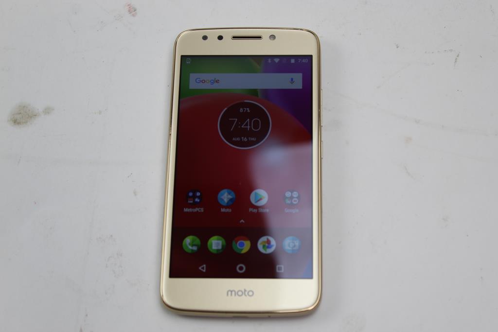 Motorola Moto E 4th Gen, 16GB, MetroPCS | Property Room