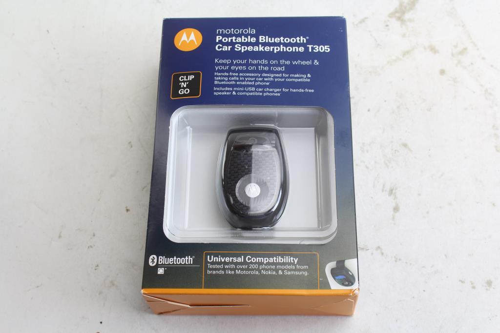 2d9cea7d692976 Motorola T305 Portable Bluetooth Car Speakerphone | Property Room