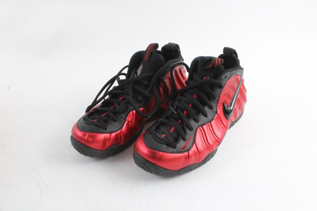 Nike Air Foamposite Shoes Size 9 Property Room