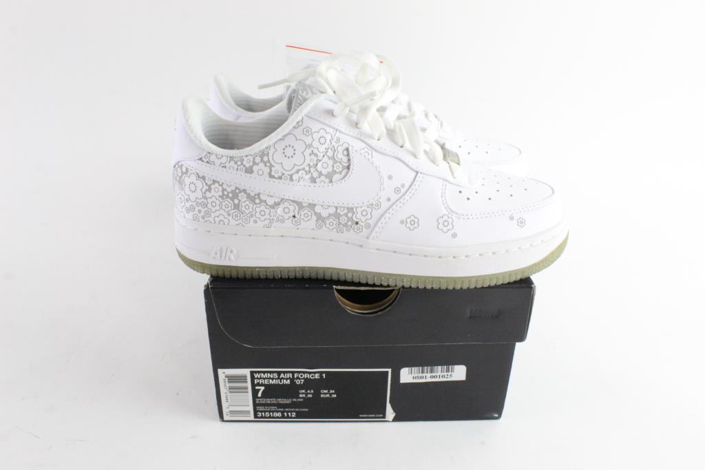 sports shoes 7723c 63c85 Image 1 of 5. Nike Air Force 1Premium  07 Womens Shoes, Size 7