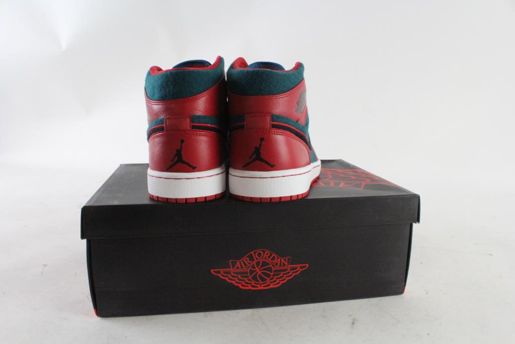 c4b4dfdc1bc876 Nike Air Jordan 1 Mids Mens Shoes