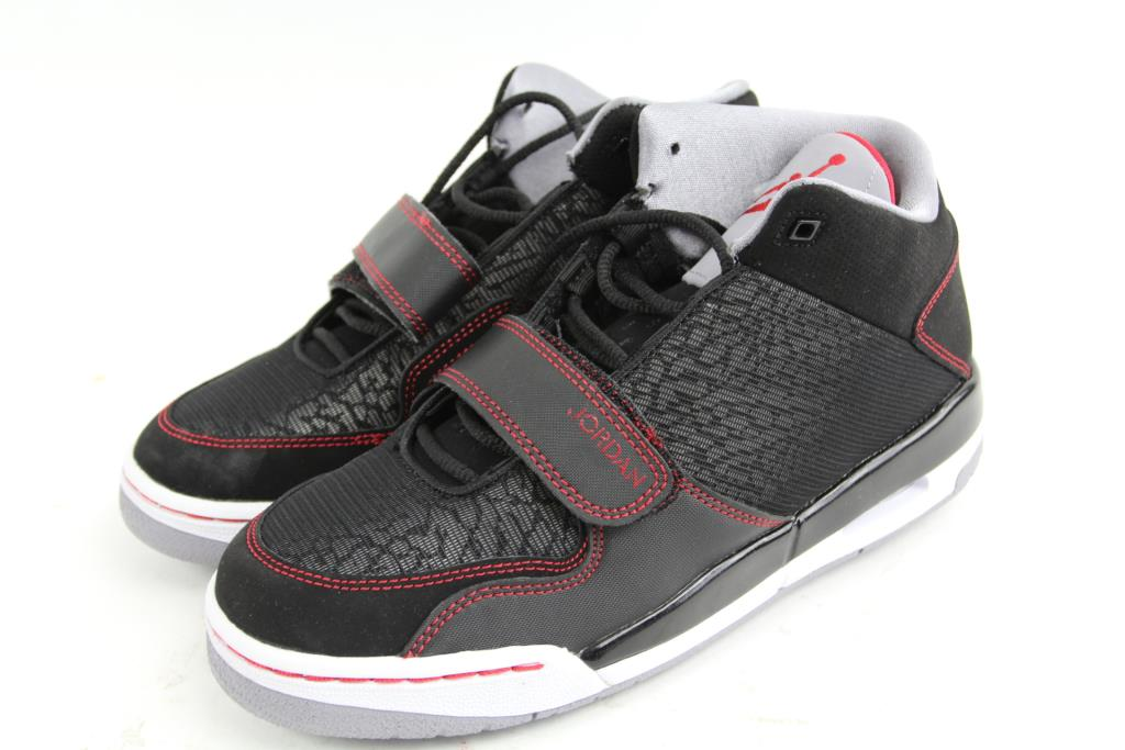 buy online d4ace b83ad Nike Air Jordan FLTCLB 90's, Size 7Y | Property Room