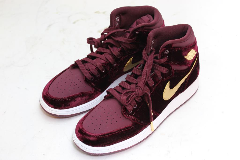 finest selection d3c0f b7945 Nike Air Jordan High Top Girl Shoes, Size 6Y | Property Room