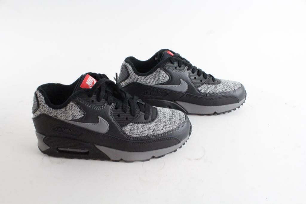 f9341e0af5afb ... promo code for black air max 90 size 5 the nike nike air max plus fca48