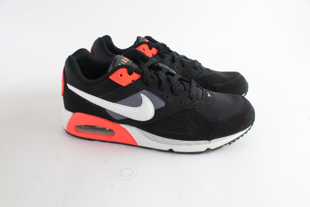 b1056ca4f8 Nike Air Max Ivo Mens Shoes, Size 10 | Property Room