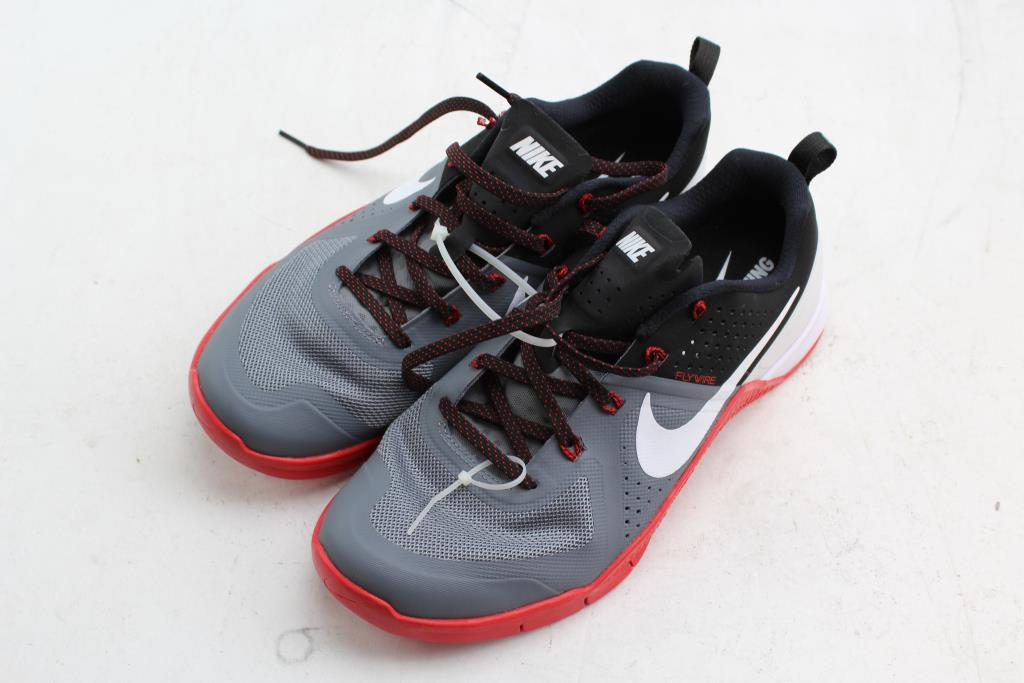 NIKE Flywire Training Shoes, Men's Fashion, Footwear on