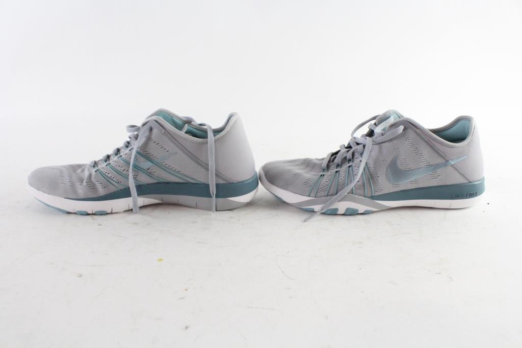 hot sale online 6a317 66915 Nike Free TR6 Womens Shoes, Size 9   Property Room