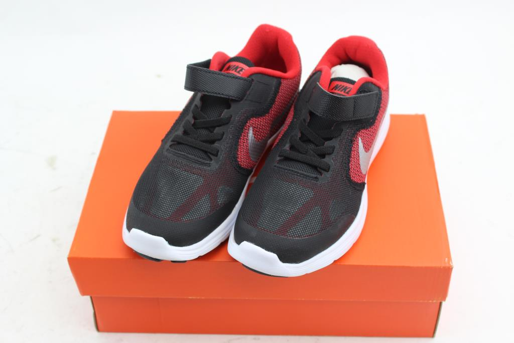 new product 24ba9 a6298 Image 1 of 3. Nike Revolution ...