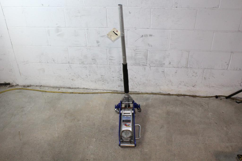 Pittsburgh Racing 1 5 Ton Floor Jack Property Room
