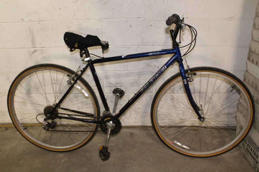 Raleigh C30 Cross Sport Hybrid Bike