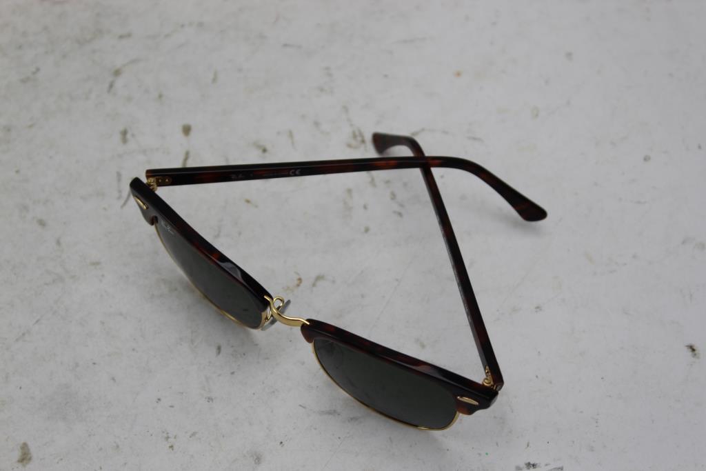 7bb9c7e1f8 Ray Ban RB3016 Clubmaster Sunglasses