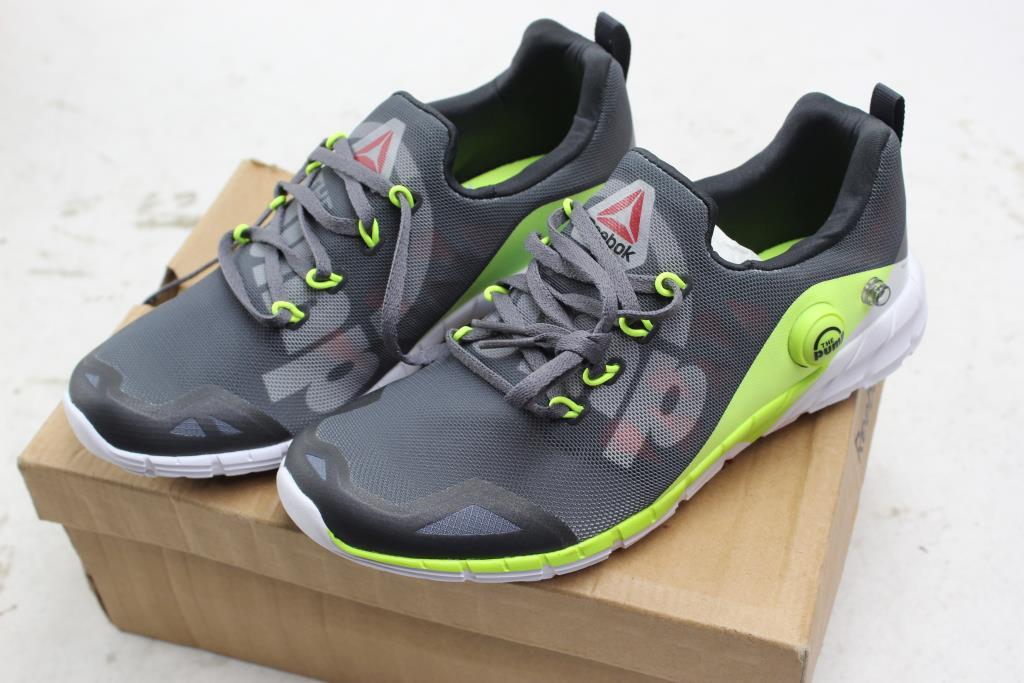 Reebok Boys Shoes, Size 4   Property Room
