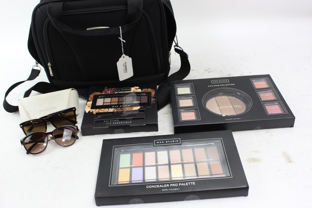 2cf9158fca Rockland Shoulder Bag With Max Studio Cosmetics