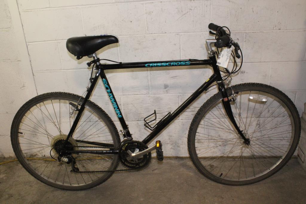 Schwinn Crisscross Hybrid Bike | Property Room