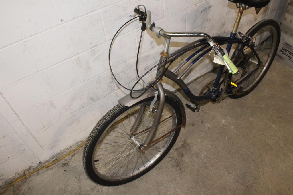 2bdeb30500d Schwinn Lakeshore Bike | Property Room