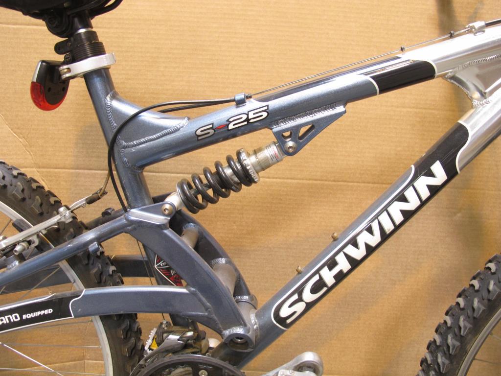 06f98e626d1 Schwinn S25 Mountain Bike   Property Room