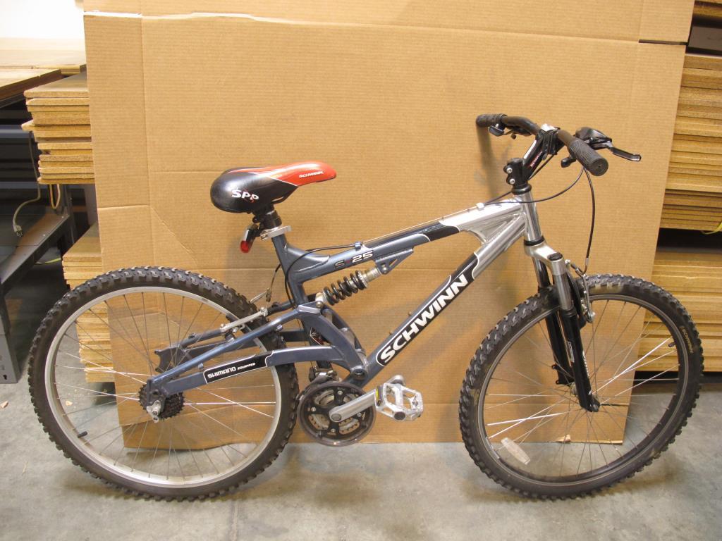 Schwinn S25 Mountain Bike Property Room