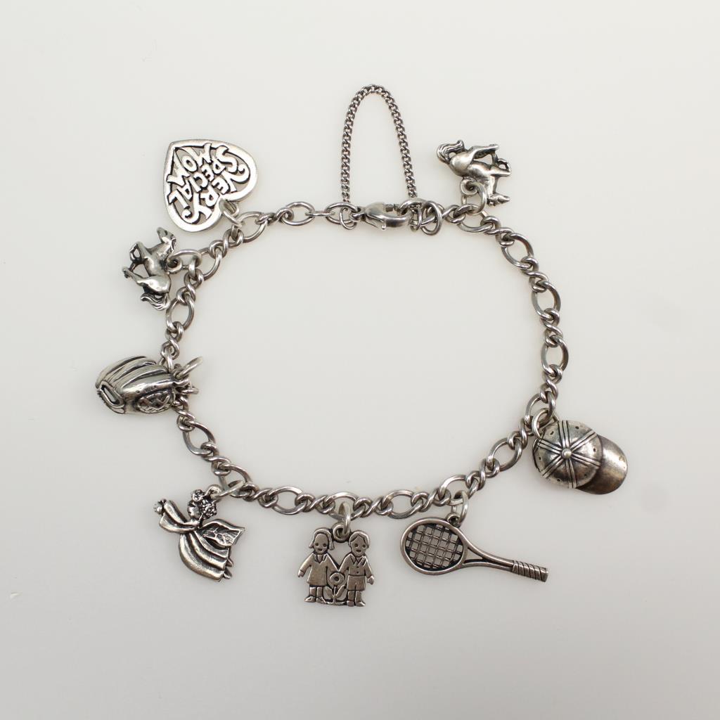 Hallmark Charm Bracelet: Silver 24.8g, Charm Bracelet With Hallmark James Avery