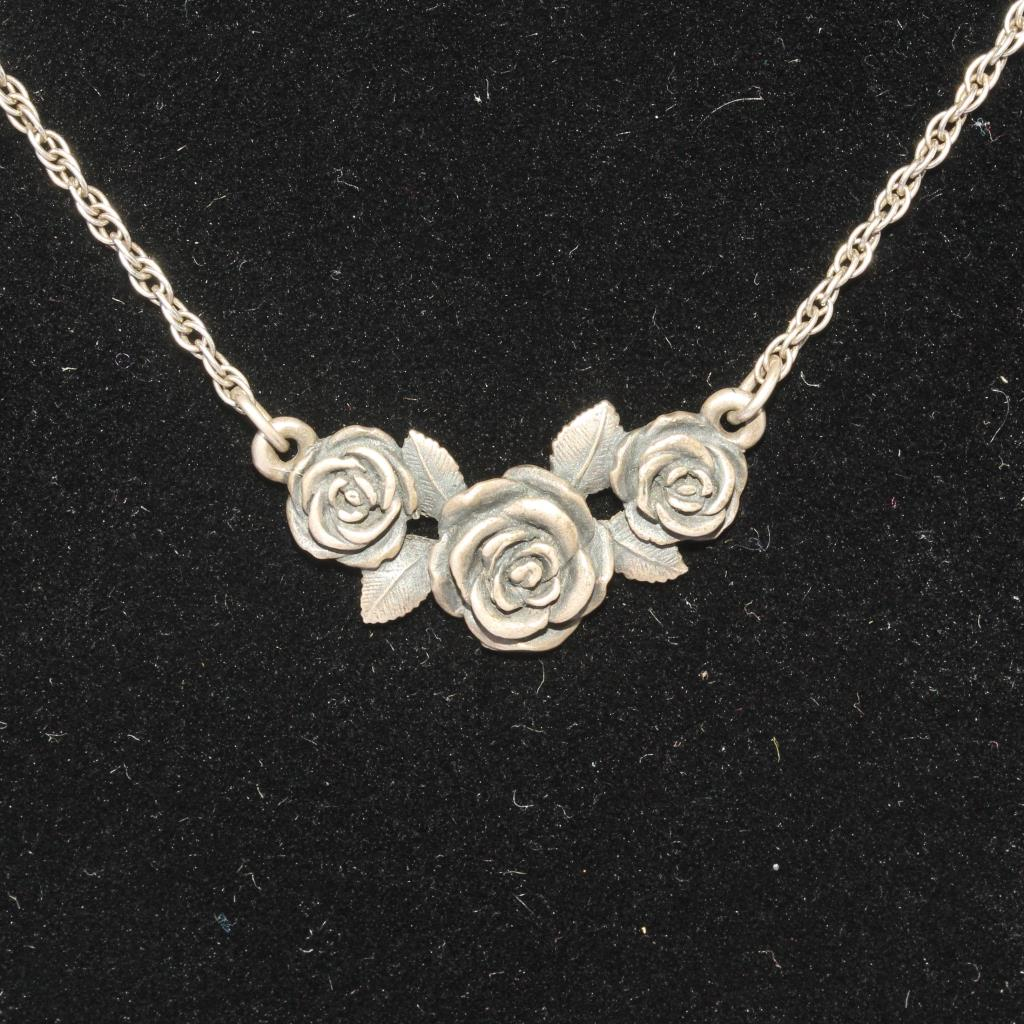 Silver 5 2g James Avery Rose Necklace Property Room