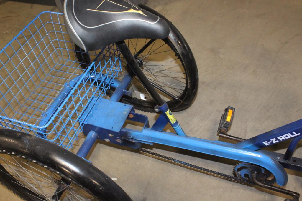 Trailmate E Z Roll Regal Tricycle Property Room