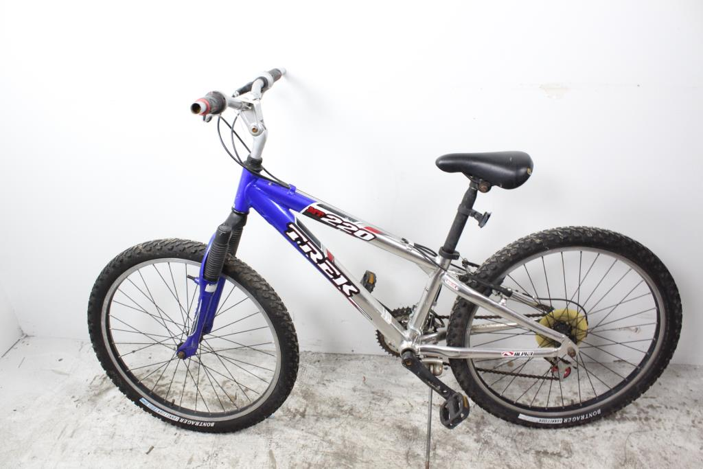 Trek 220 Mountain Bike