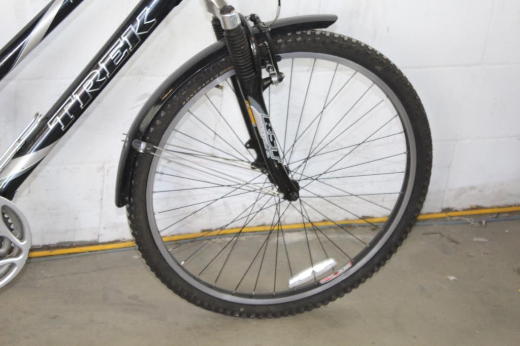 Trek Navigator 200 Womens Hybrid Bike | Property Room